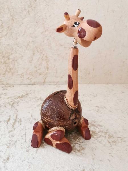 Kokos-Spardose Giraffe sitzend